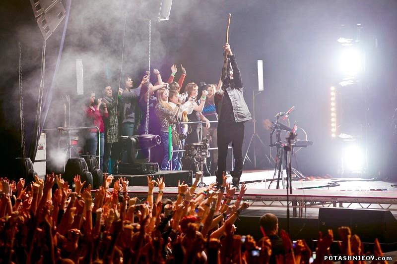 Ровно через год после предыдущего концерта в северной столице, 18 марта 2015 года thirty seconds to mars выступят в
